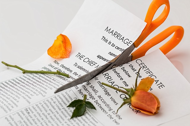 6 Expenses to Plan for When Divorcing