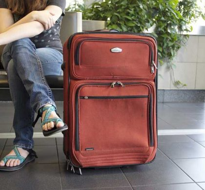 Ideas For Keeping Yourself Busy While Waiting In An Airport